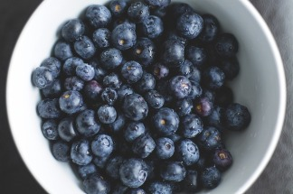 blueberries-1149861_640